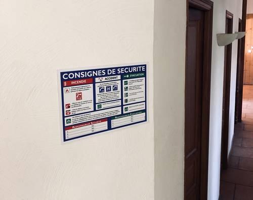 support en PVC pour affichage consigne de sécurité